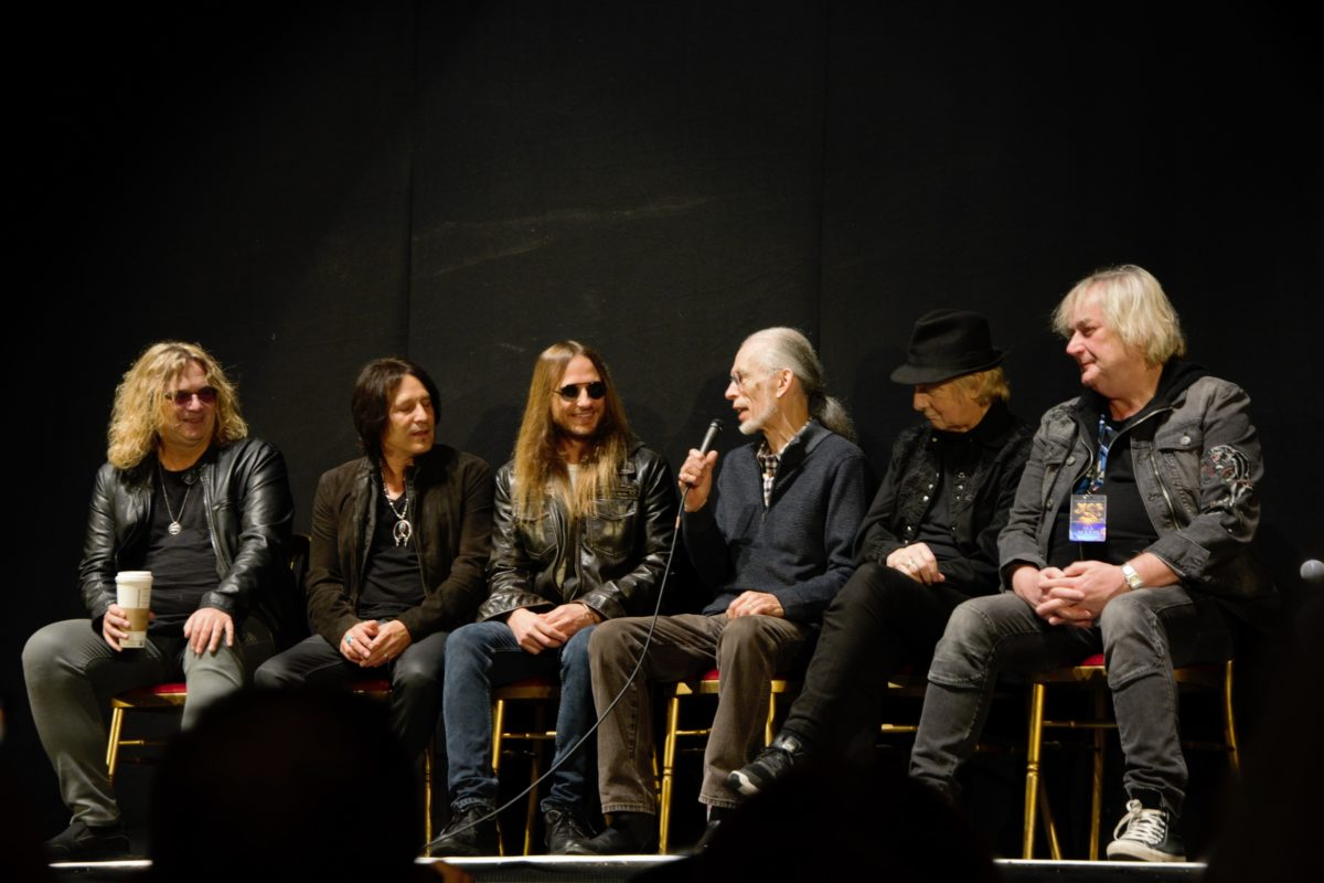 Yes 50 Fan Convention – 328